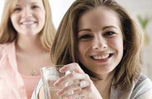 Пьем воду — худеем и не отекаем